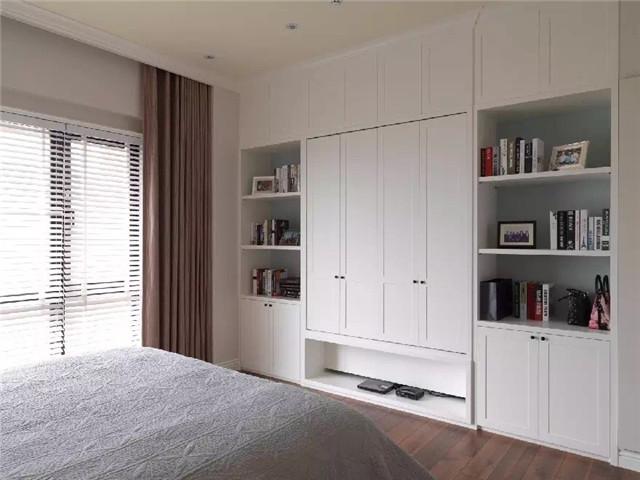 现代整木定制卧室组合衣柜